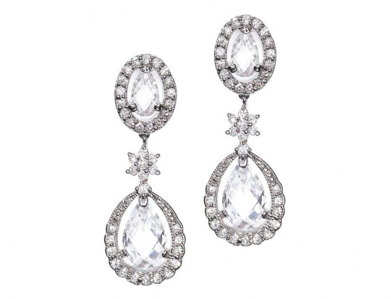 b0712dd-classic-drop-earrings_1.jpg